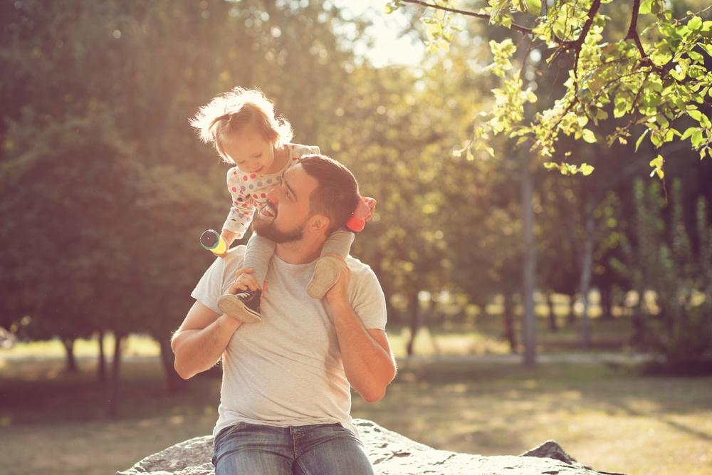 táta začne chodit znovu randění a pozitivní