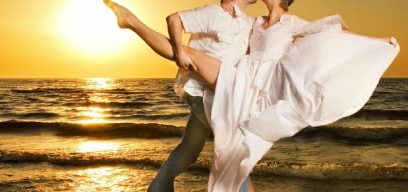 Rozvlňte se v rytmu erotického tance zouku!