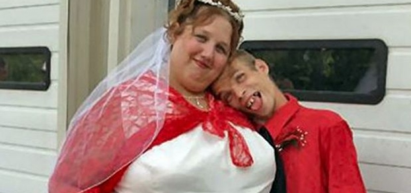 Nejšílenější páry na Facebooku!
