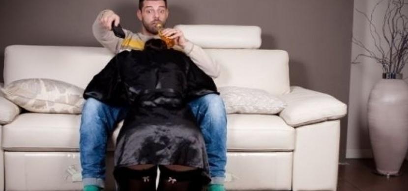 Video nuceného orální sex
