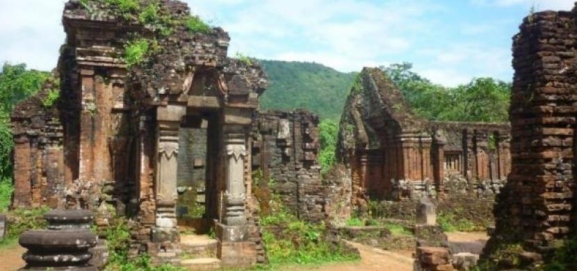 Vietnam: Na motorce ke starověkým ruinám
