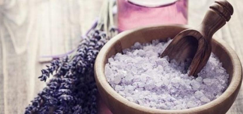 12 neobvyklých způsobu využití koupelové soli! Zjistíte, že je to zázračný všelék!