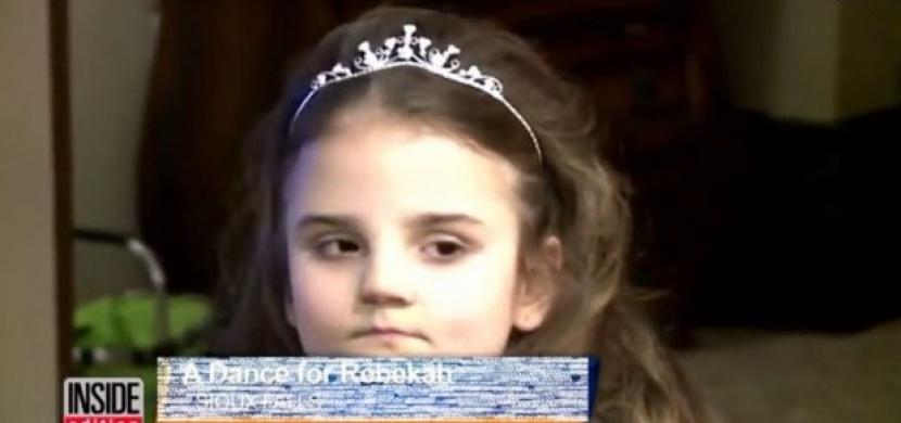 Zbývají ji poslední roky života. Až uvidíte co pro ni udělal její bratr, nezastavíte pláč!