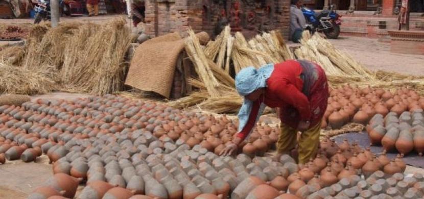 Nepál: Za místními hrnčíři