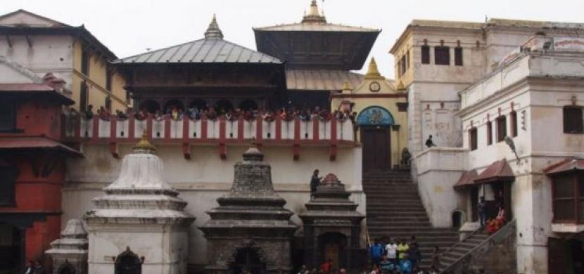 Nepál: Kremace v přímém přenosu