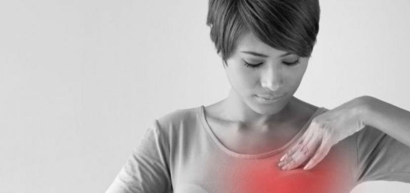 Varovné signály, které včas odhalí rakovinu prsu. Tohle by měla vědět každá žena!