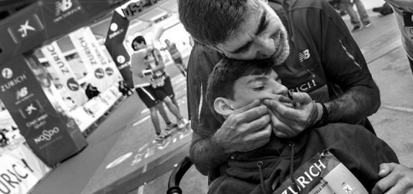 Jeho syn umřel hned při porodu. Ani ve snu ale nečekal, že za pár let uvidí tohle!