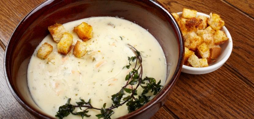 Recepty od maminky: Krémová česneková polévka