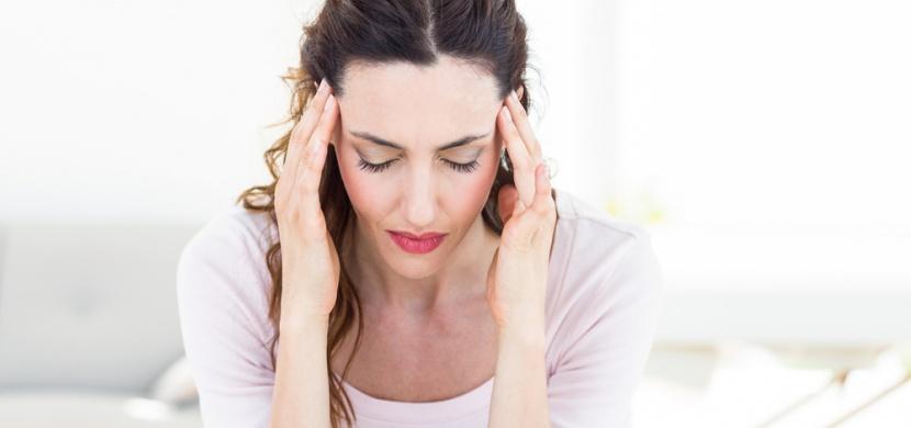 Jednoduchý trik, který vám pomůže od bolesti hlavy do 2 minut!