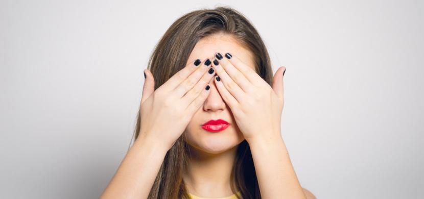 Máte napuchlé oči? Možná je to z těchto potravin