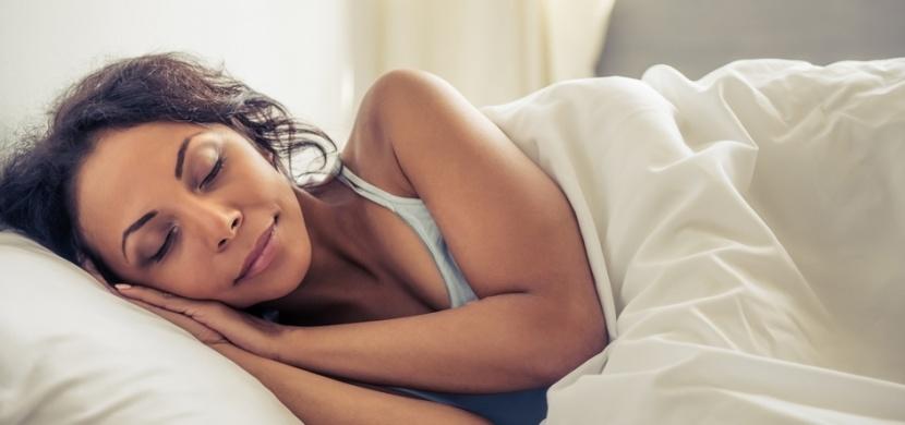Ženy potřebují více spánku než muži. A my víme proč!