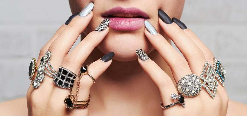 Jak se co nejlépe starat o šperky a brýle?