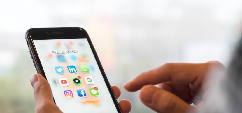 Máte své dítě na Facebooku? Psychologové to nedoporučují!