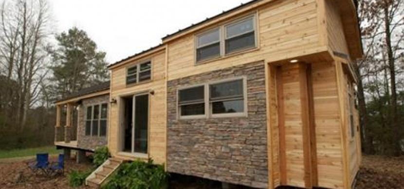 Tento domek má jen pár metrů čtverečních. Když se ale kouknete dovnitř, marně budete hledat nějaká slova!