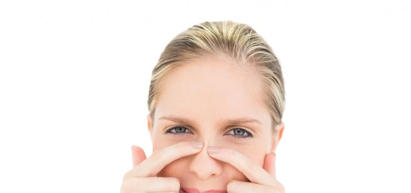 Černé tečky na nose: Víme, jak se jich zbavit!