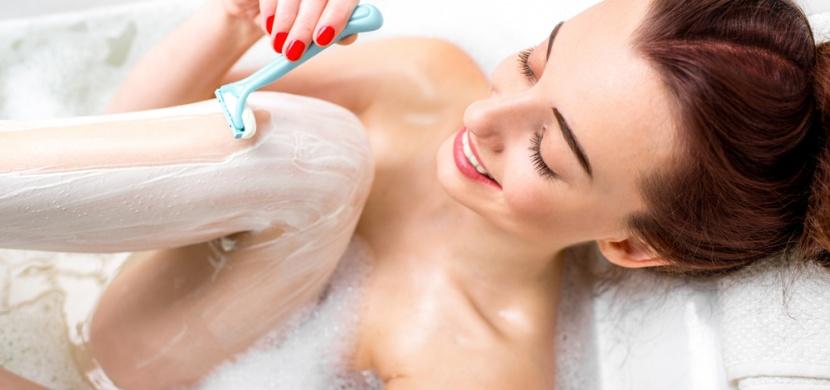 Nebaví vás pravidelné holení? Víme, jak růst chloupků zpomalit!