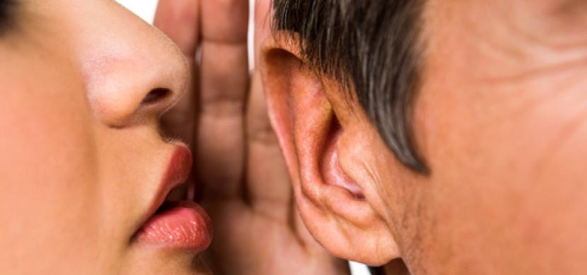 Šeptej! Aneb proč vás (ne)vzrušují podivné zvuky ASMR