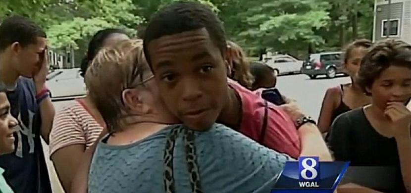 Jen díky třem slovům zachránil 5leté holčičce život, když se ji neznámý muž snažil unést...