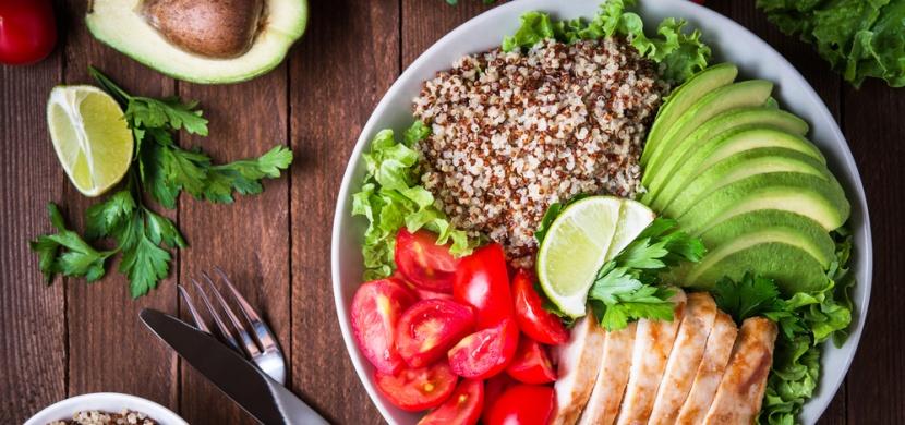 Jezte, pijte a hubněte: Tyto přírodní spalovače tuků vám pomohou rychle a účinně zredukovat váhu!