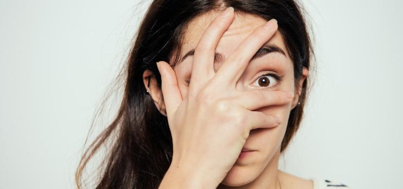 4 rady, díky kterým zachráníte vaši pleť po prohýřené noci