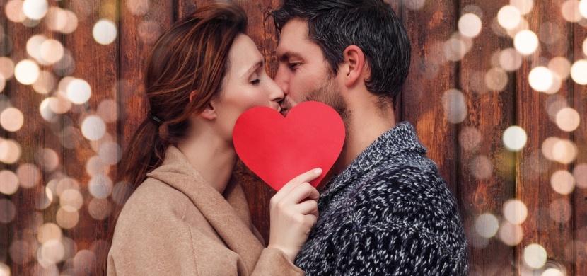 Je do vás opravdu zamilovaný? Podle těchto projevů to poznáte snadno!