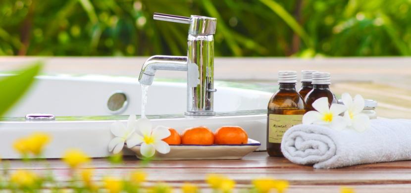 Posilněte svůj organismus geniálními účinky vířivky a aromaterapie