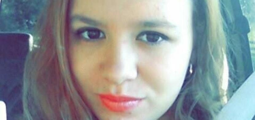 Devatenáctiletá dívka zemřela při autonehodě - psala smsku