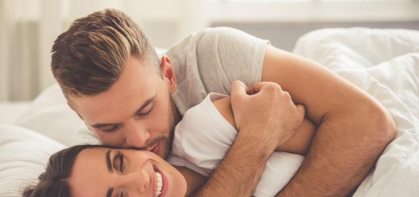Co se děje s vaším tělem, když se mazlíte s partnerem?