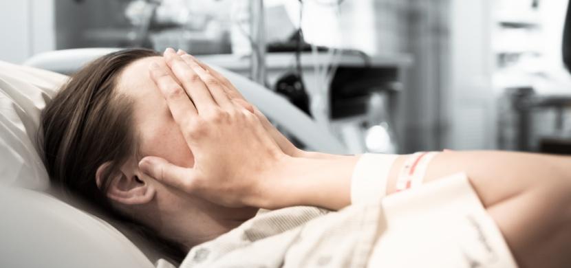 Umírající žena našla svému muži náhradní manželku. Po svatbě se ukázalo, že diagnóza lékařů byla chybná