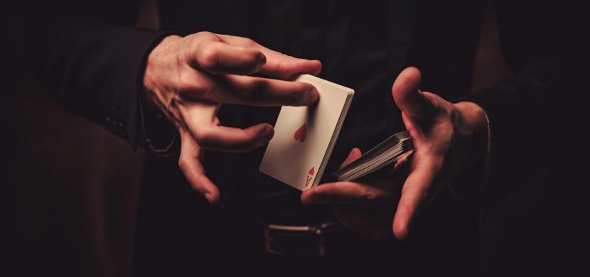 Pět slavných kouzelnických triků odhaleno. V čem tkví jejich tajemství?