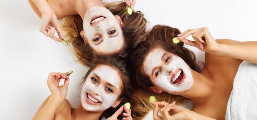 Čtyři přírodní masky, které vás zbaví chloupků v obličeji přírodní cestou