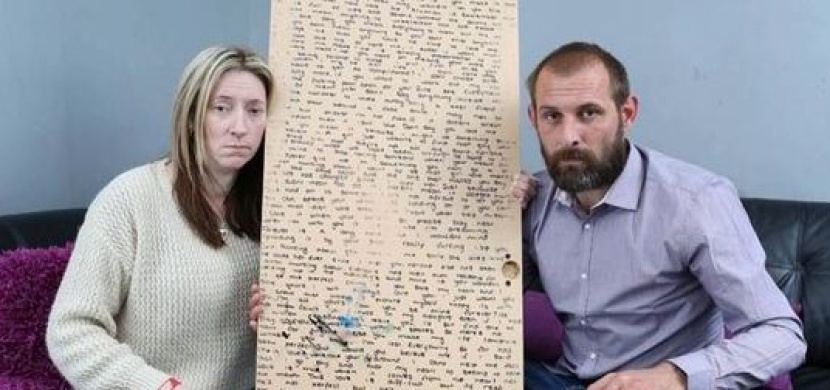 Po smrti své dcery našli za zrcadlem dopis na rozloučenou. Co mohla svým rodičům vzkázat 12letá dívka?