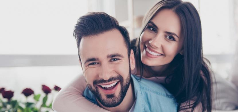 Ulevit si před partnerem by pro vás nemělo být tabu. Je to klíč k trvalému a pevnému vztahu
