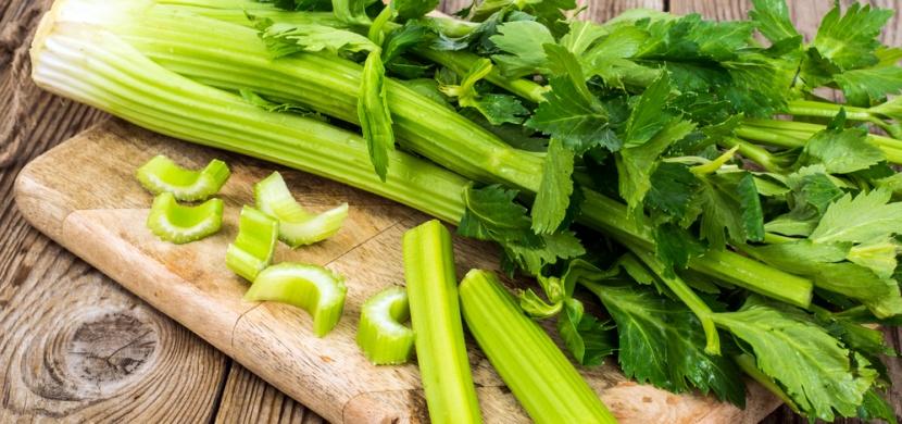 S celerem společně ku zdraví. Jaké jsou výhody konzumace celeru a v čem je pro naše tělo prospěšný?