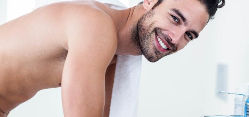 Vědecky potvrzeno: Muži tráví v koupelně víc času než ženy
