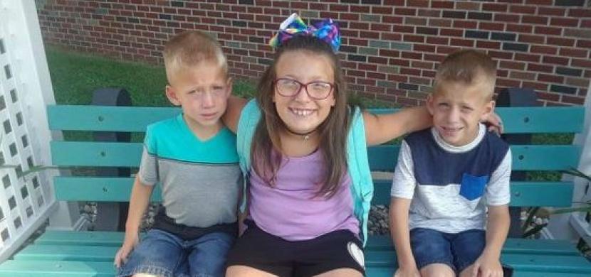 Při autonehodě zemřela dívka se svými dvěma bratry. Do školního autobusu narazila nezodpovědná řidička