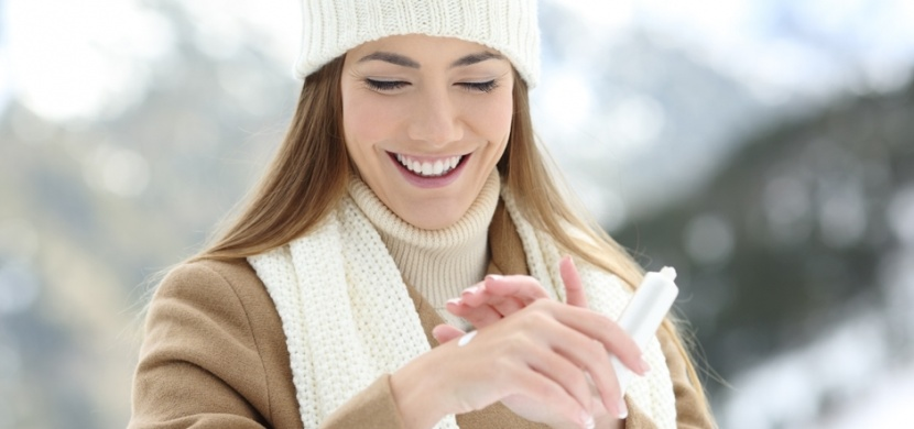 Zbavte se suchých a popraskaných rukou: V zimě potřebují speciální péči