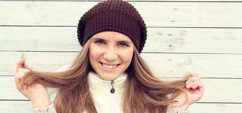 Chraňte své vlasy před chladným počasím. Odmění se vám za to