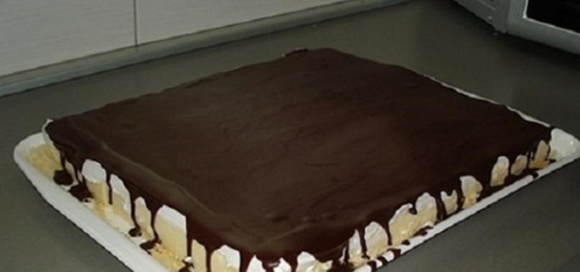 Upekla jsem jednoduchý tvarohový koláč. Teď po mně všichni chtějí recept!