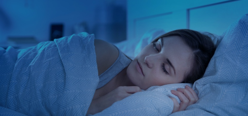 Trápí vás deprese nebo nespavost? Začněte spát pod těžko přikrývkou