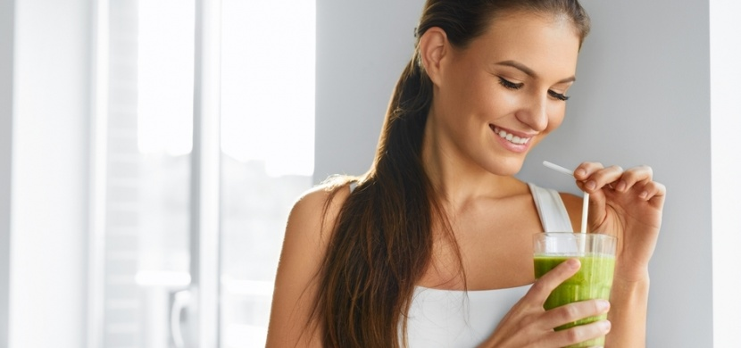 Proč pít celerovou šťávu? Odšťavněný řapíkatý celer slibuje spoustu zdravotních benefitů