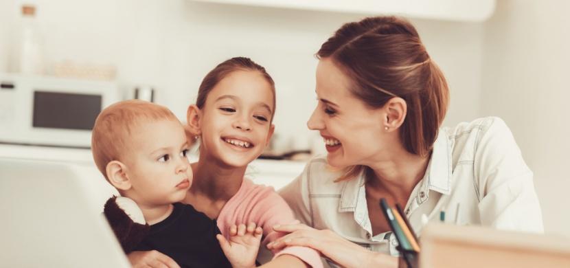 Vztahy v rodině: Proč je v životě dítěte tolik důležitá teta?