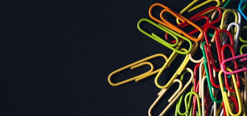 Kancelářské sponky jinak: Umělec jimi zobrazil různá psychická onemocnění