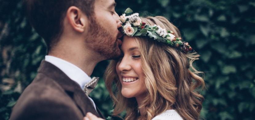 Jak si muži představují nejkrásnější svatební šaty? Nejraději by nás viděli v tomto modelu