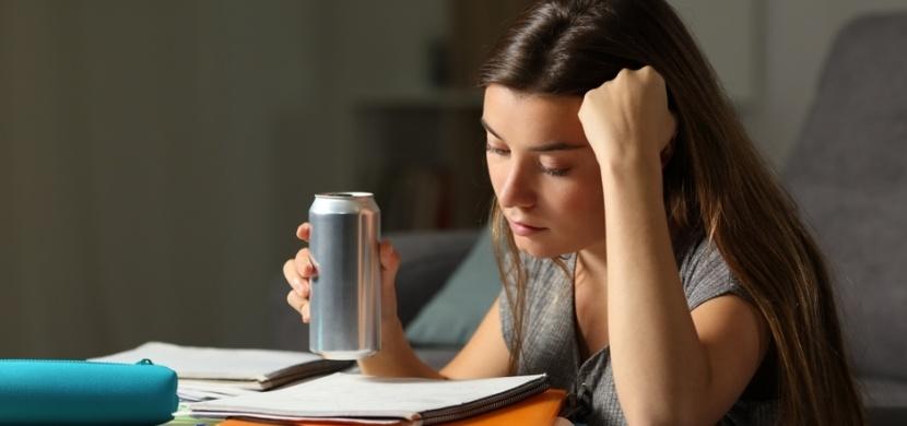 Kontroverzní energy drink: Co se s vámi stane po vypití jedné plechovky?