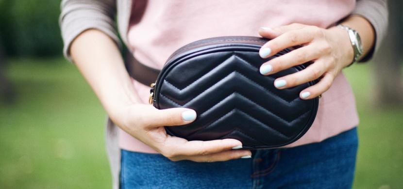 Ledvinky hlásí velký návrat: Víte, jak tento trendy doplněk nosit?