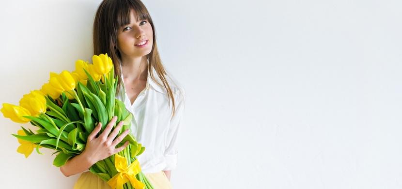 Dostala jste kytici řezaných květin? Těmito triky dosáhnete, že vám ve váze vydrží co nejdéle