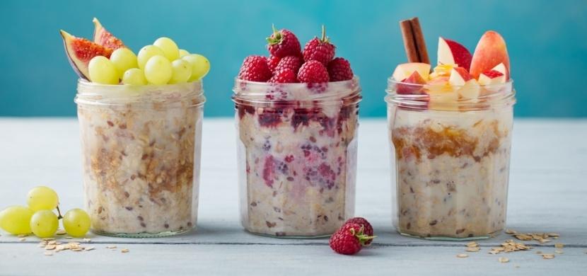 Vyzkoušejte overnight oats: Tato snídaňová klasika má stovky variací