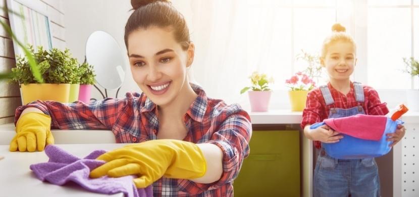 Pomáhají vám děti s úklidem? Tím jim zajišťujete lepší život