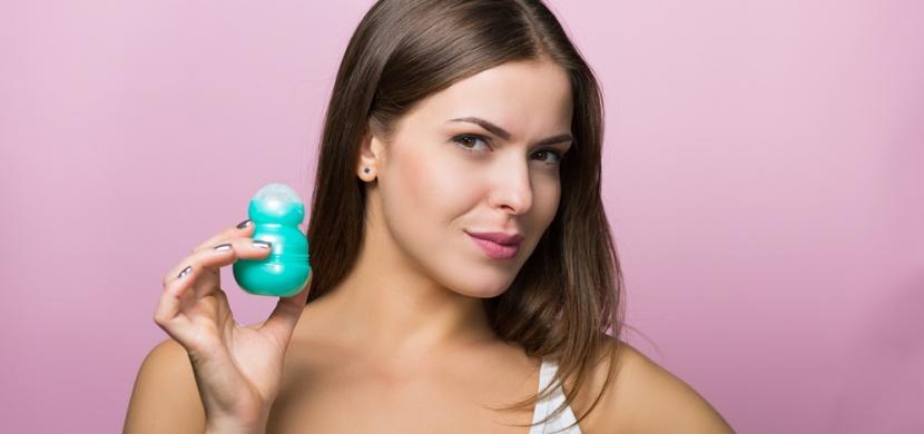 Školácké chyby při používání deodorantu: Způsobují nadměrné pocení a zvýrazňují tělesný zápach